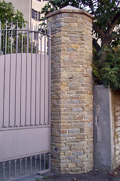 Pilastro in pietra di langa